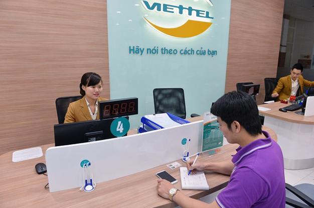 Đến cửa hàng Viettel để làm thủ tục hủy thuê bao trả sau của Viettel