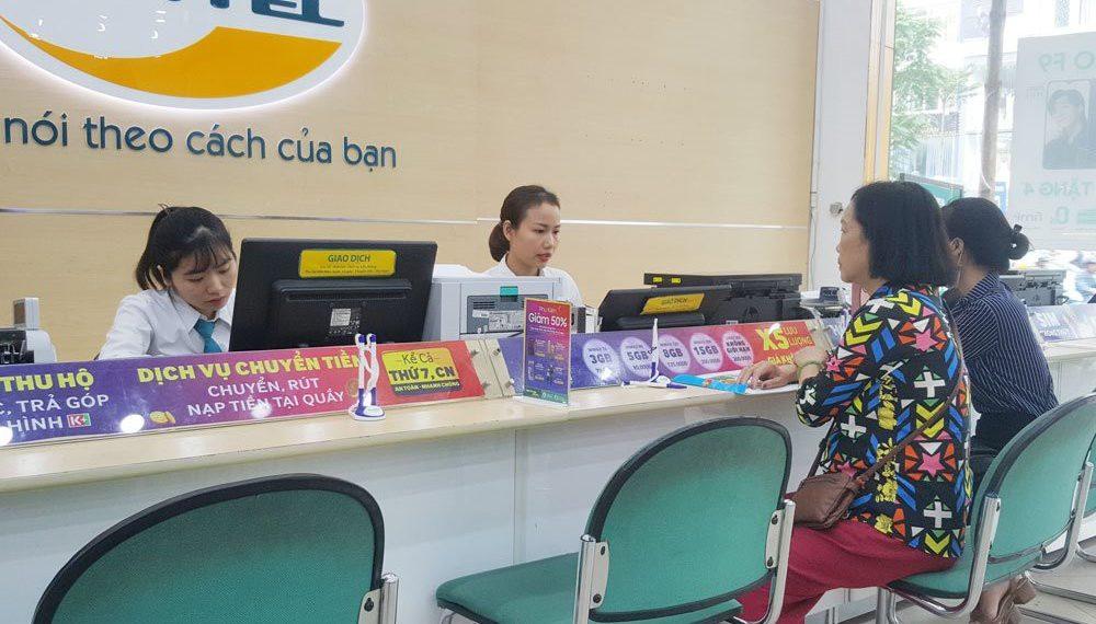 Các điểm giao dịch Viettel luôn hoạt động để hỗ trợ khách hàng